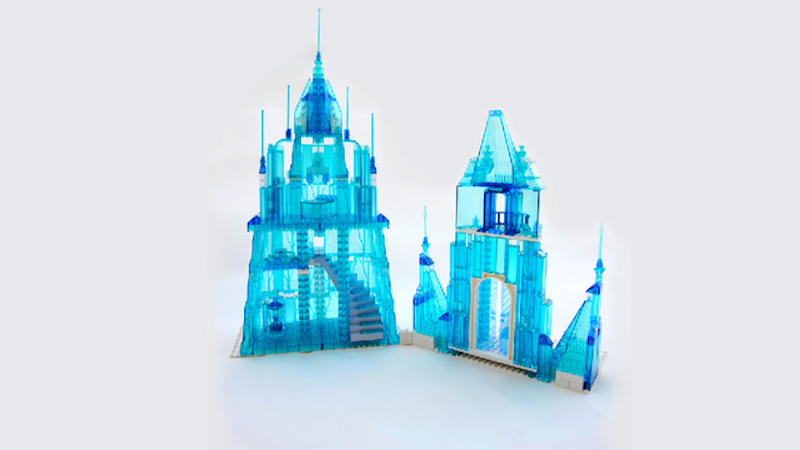 """Coolest dad ever creates Elsa's ice castle from """"Frozen"""" in Lego"""