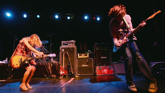 Sonic Youth's Kim Gordon And Thurston Moore Are Splitting Up