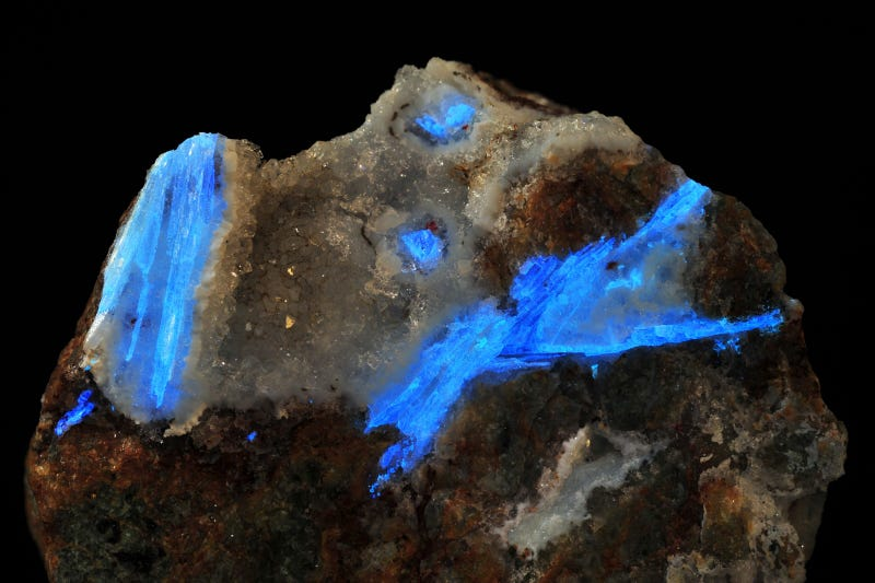 10 Beautiful Minerals You Won't Believe Are Found on Earth