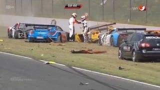 Massive Crash at the start of the 2014 ADAC GT Masters race at Oschersleben