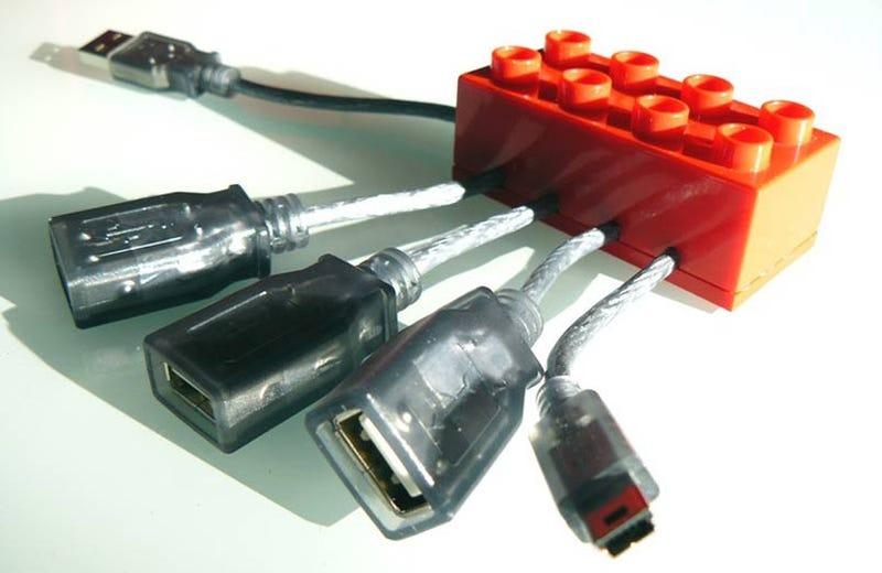 LEGO USB Hubs Can Be Assembled to Make Bigger LEGO USB Hubs