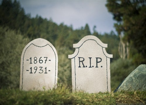 Craft a Last Minute DIY Tombstone Prop for Cheap Halloween Decorating