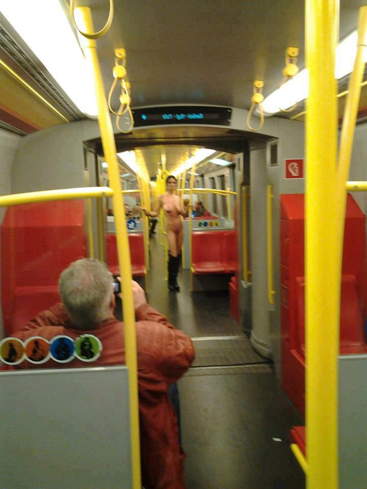 Who Is This Nude Woman Posing for Subway Riders in the Vienna Underground? [NSFW]