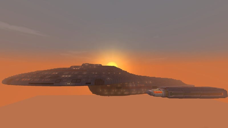 Holy Cow, It's Star Trek's USS Voyager, Recreated In Minecraft