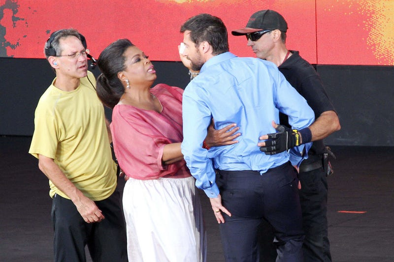 Hugh Jackman Injured On Oprah's Australian Set