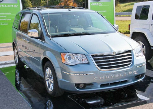 Chrysler EV Range-Extended Electric Minivan Gets Real Non-CNBC Reveal