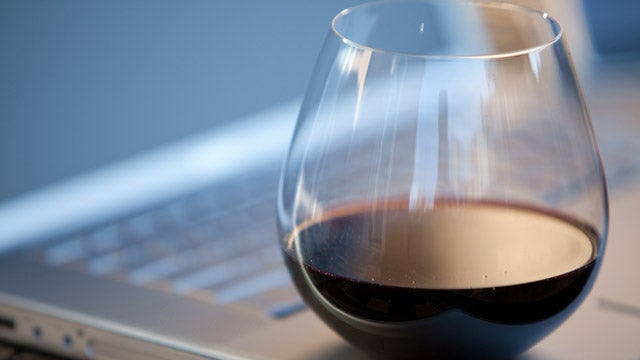 Teen Boozing Linked To Social Networking