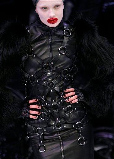 Alexander McQueen Fall/Winter 2009: Derelicte In Wonderland