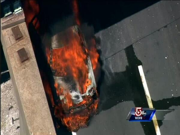 Car fire on Mass Pike near Boston: Identify the car