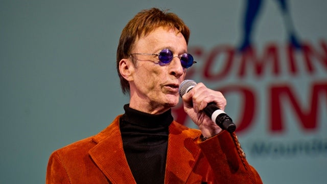 Bee Gee Robin Gibb in Coma
