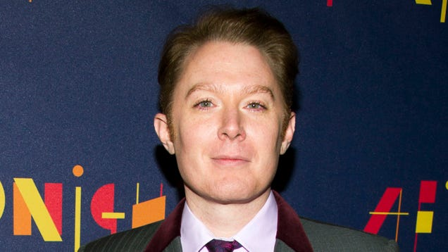 Clay Aiken Thinks Jennifer Lawrence Deserved to Be Hacked