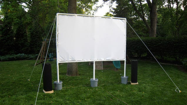 this diy projector screen is perfect for backyard film festivals