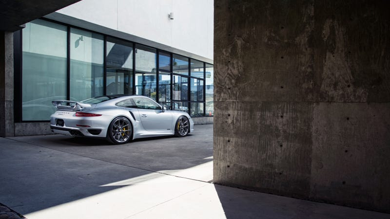 Your Ridiculously Awesome Porsche 911 Turbo S Wallpaper Is Here