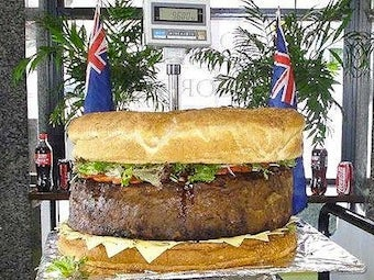 World's Biggest Hamburger Takes 12 Hours to Cook