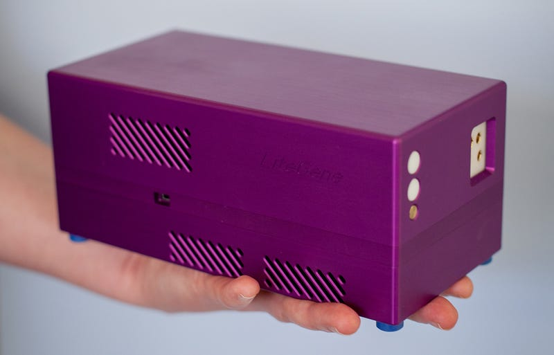 The World's First Handheld DNA Amplifier Is a Genetics Lab In a Box