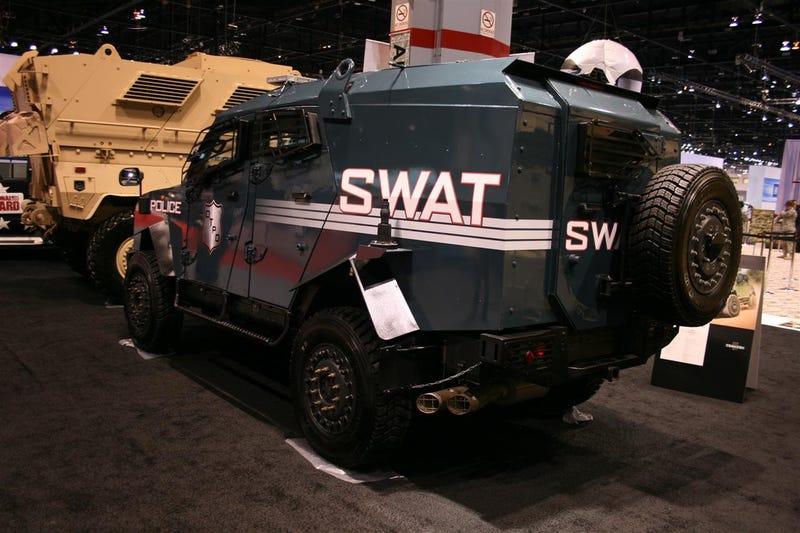 Oshkosh SandCat Makes Other SUVs Feel Weak And Puny
