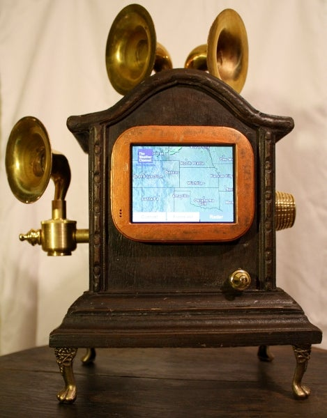 Antique Chumby Clock Will Fool Your Granny and Impress Your Twitter Friends