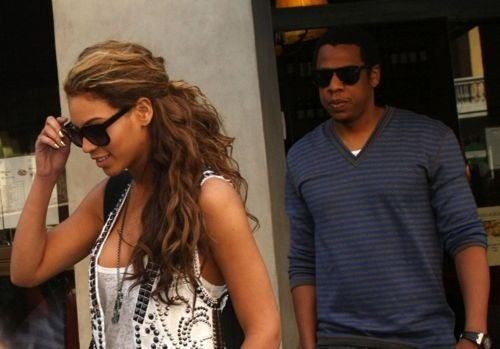 Beyoncé Has Baby Plans; Rob Pattinson Is Not Romantic