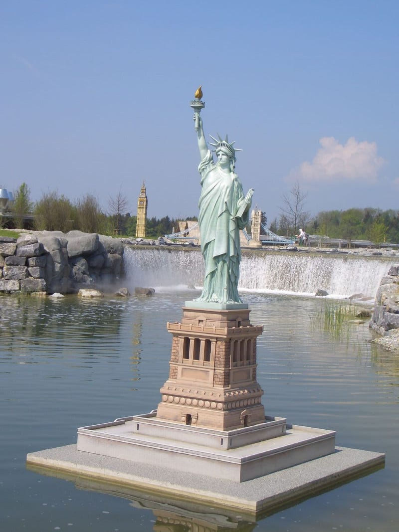 Bizarre Replicas of the Statue of Liberty and the Eiffel Tower