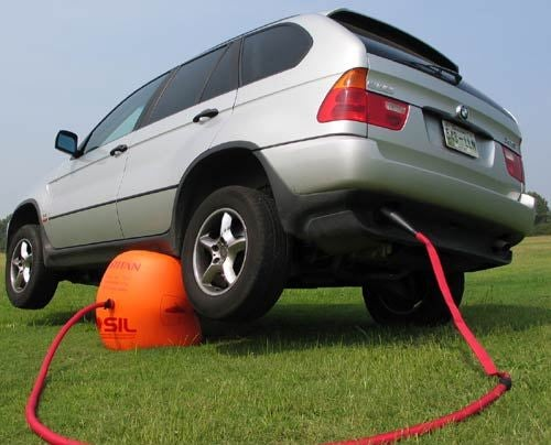 Exhaust Air Jack Lifts Your Car with a Toxic Balloon