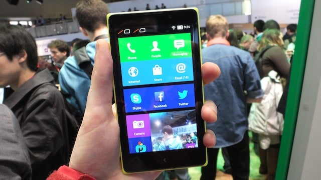 Nokia XL Hands-On: A Lumia-Flavoured Android Phablet on a Budget