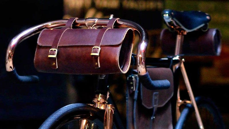 A Bicycle Handlebar Bag For the Discriminating Cyclist