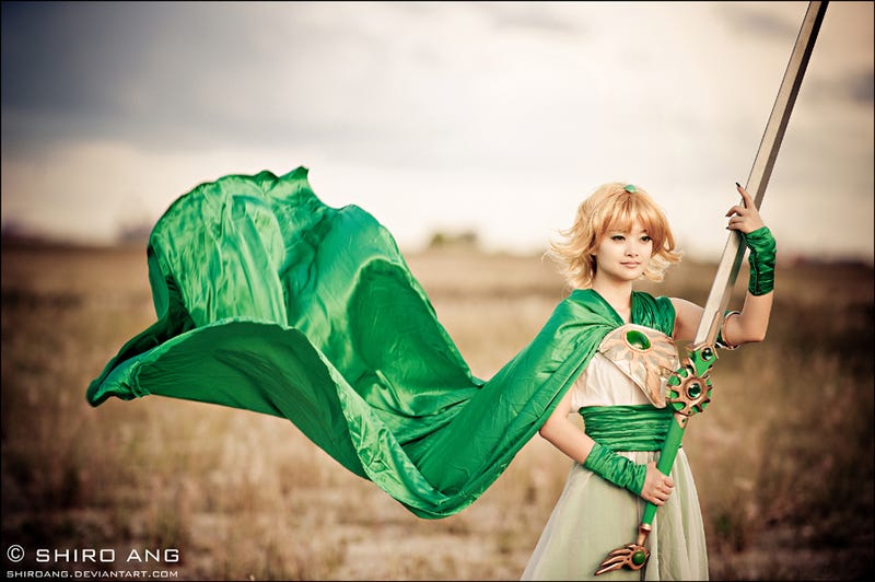 This Cosplay Photographer Is a Hero