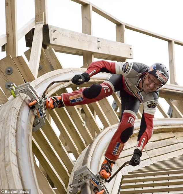 Inline Skater Races Down 2,800-Foot Roller Coaster in 60 Seconds