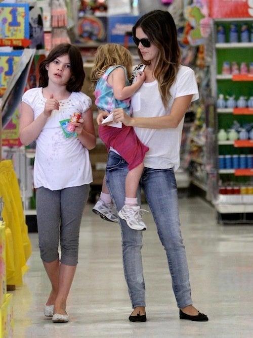 Rachel Bilson, Celebrity Babysitter