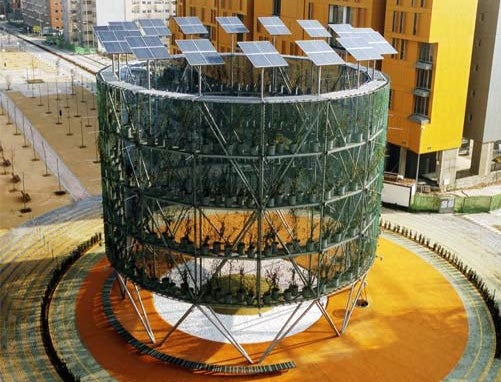 Giant Tree-Powered Machine Supplies Energy, Air to Madrid