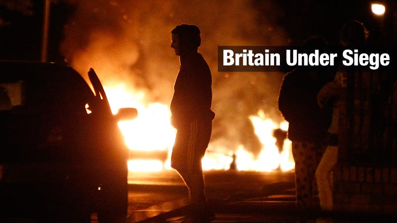 British Police Plan a 'Fightback' as Three More Die in Riots
