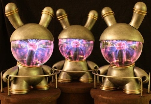 Custom Dunny Toy Has a Plasma Globe Built Into its Head