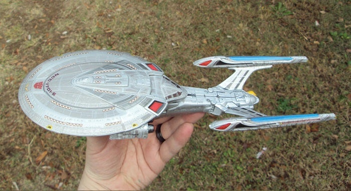 There's an Autobot hidden in this Custom Enterprise/Transformers toy