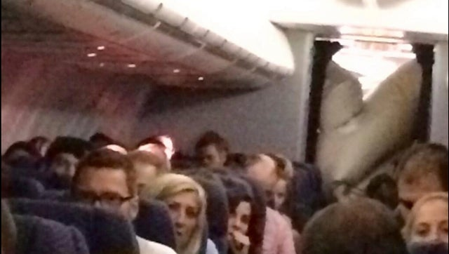 Emergency Slide Deploys At 38,000 Feet On United Flight