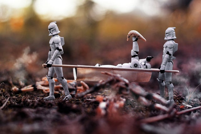Cool Macroshots Show The Dramatic Adventures of Star Wars Figurines
