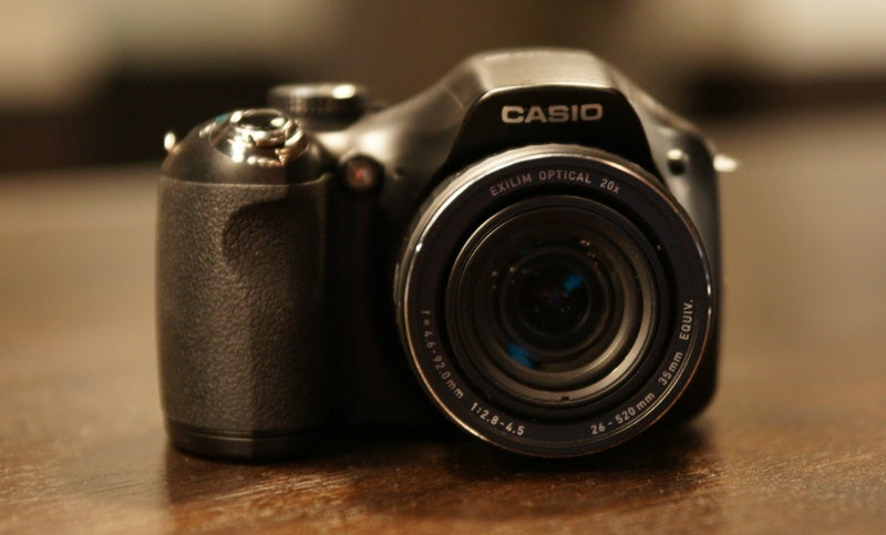 Casio EX-FH20 Budget Super Slow-Mo Camera Lightning Review