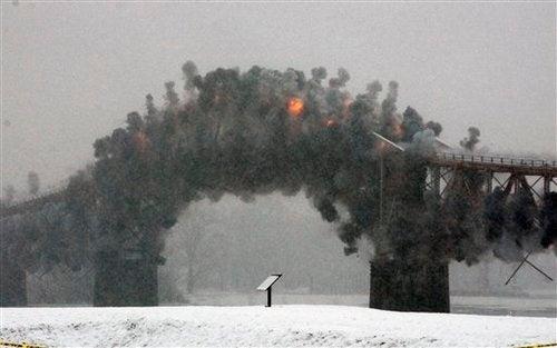 Explosives Bring Down 80-Year-Old New York Bridge