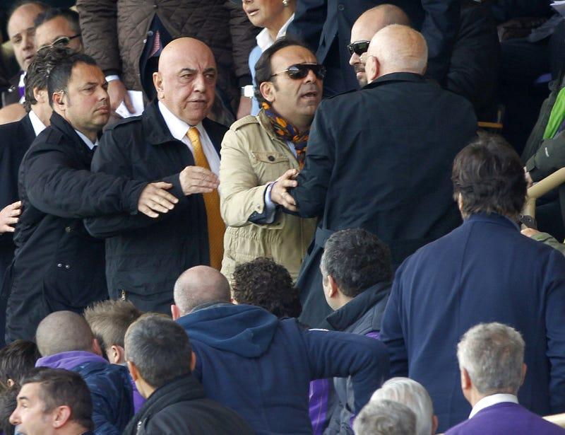 Mario Balotelli Smokes Thing