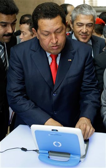 Hugo Chavez Wants to Tweet @FidelCastro