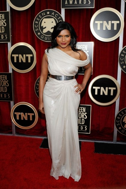 Mindy Kaling Really Likes Putting One Hand On Her Hip