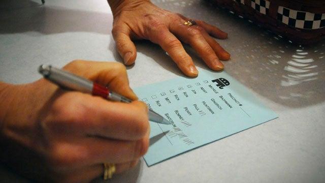 Santorum & Romney Lead Iowa Caucuses In Virtual Tie