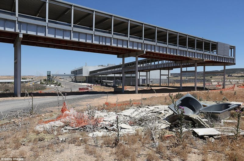 Abandoned Airport is a Video Game Level Come to Life