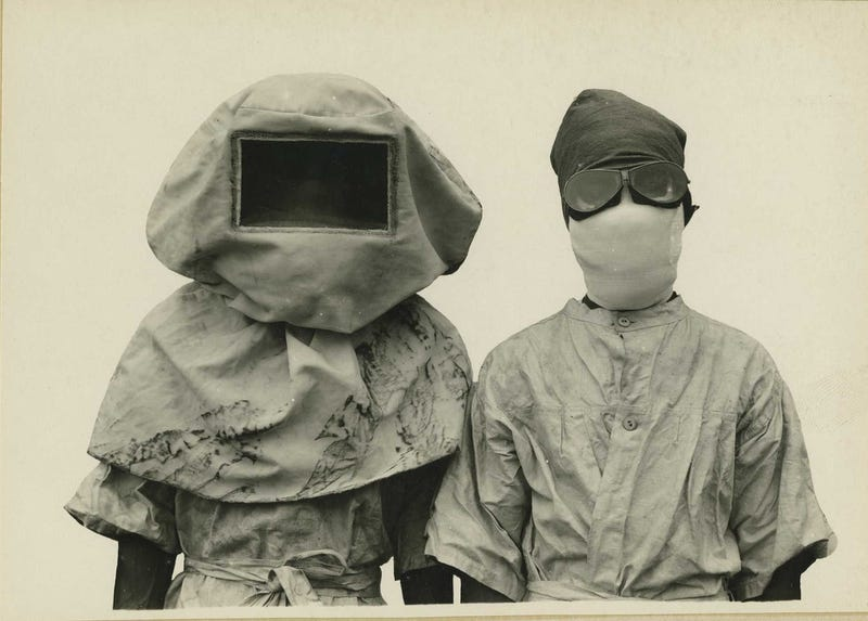 Horrifying Vintage Army Medical Photos Make Me Appreciate Modern Medicine Even More
