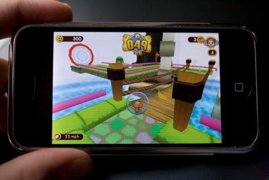 Super Monkey Ball for iPhone Lightning Review: Addictive, Hard as Hell