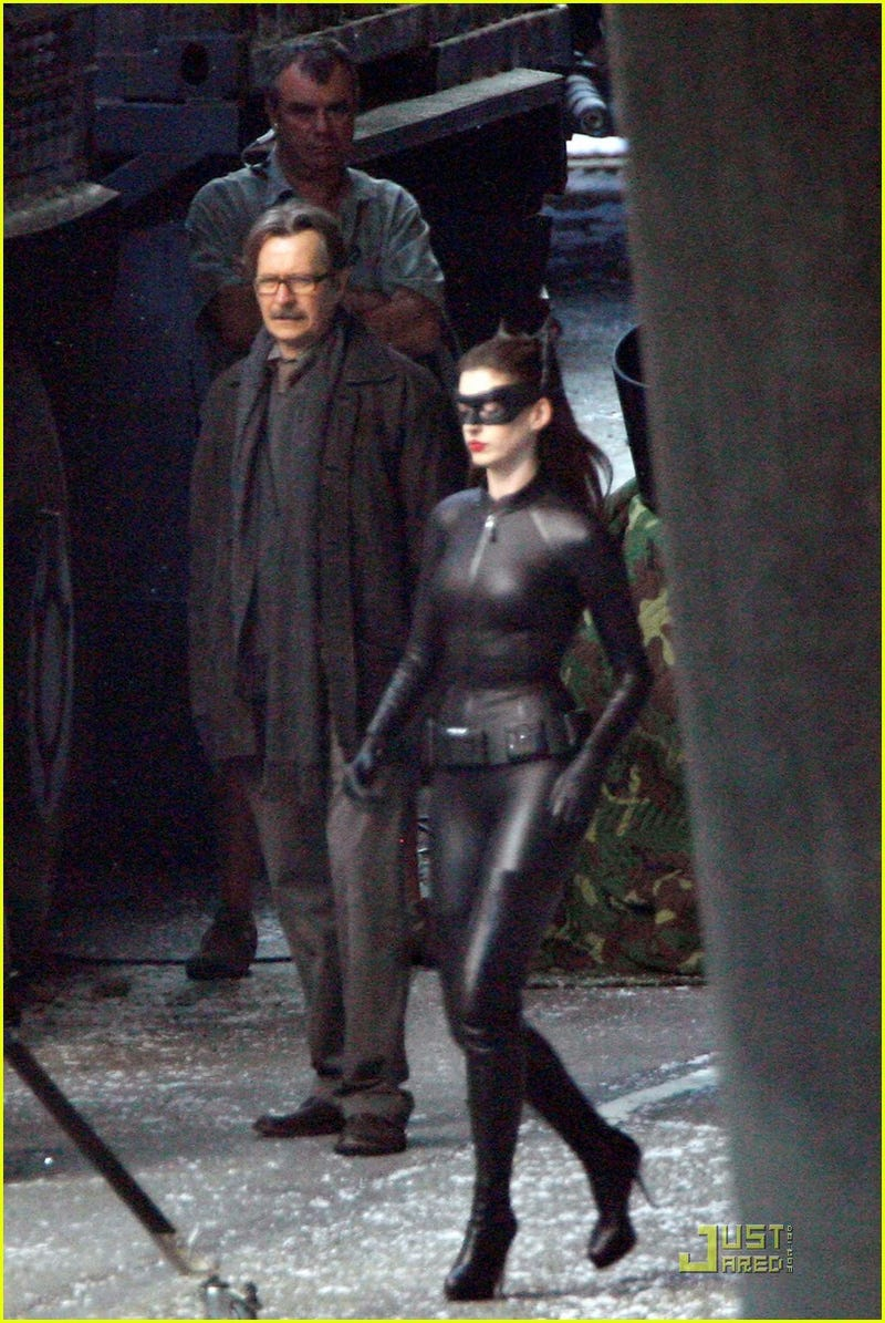 Behold the new(er) Catwoman costume from The Dark Knight Rises!