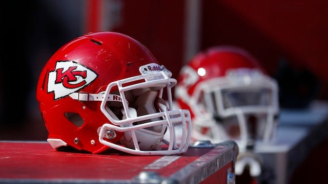 Missouri Man Shoots Guy In The Face With A Shotgun While Watching Chiefs Game