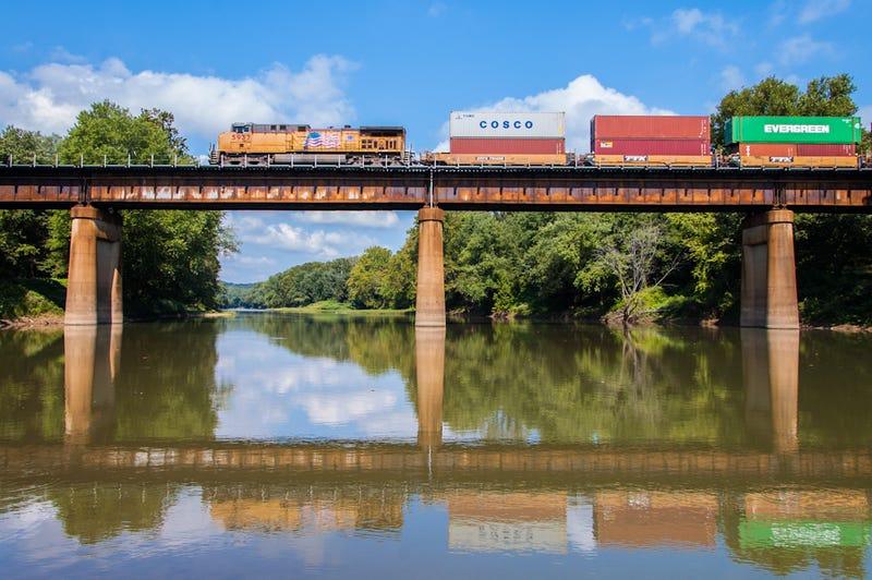 17 Totally Terrific Train Photos