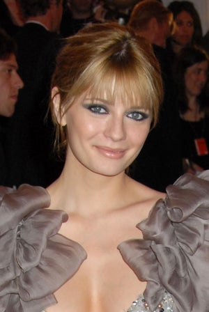 Mischa Barton Fights The Battle Of The (Digitally Enhanced?) Bulge