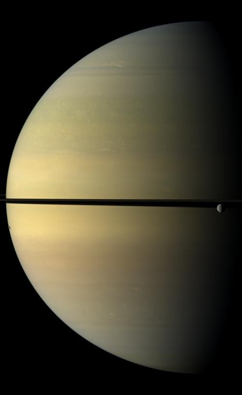 Oh Hello, Saturn, You Look So Makey-Outy Today