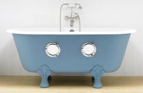 Deadly Submarine Freelances as Charming Bathtub